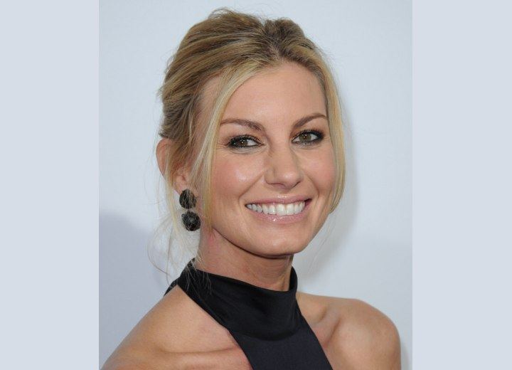 Hairstyles for over 40 women - Faith Hill