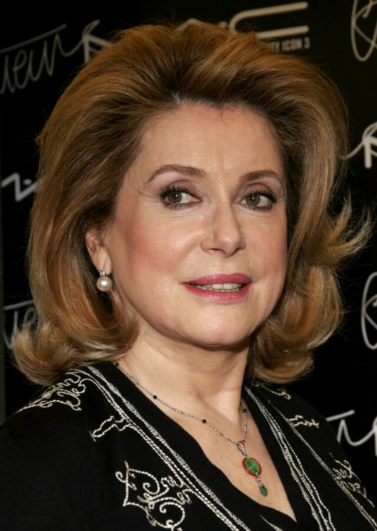 Hairstyle for women aged over 60 - Catherine Deneuve