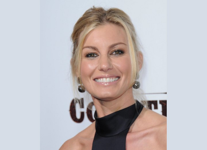 Ponytail hairstyle for a middle aged woman - Faith Hill