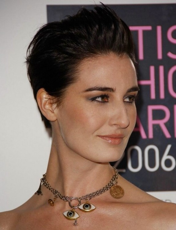 Erin O Connor Simple And Quick Short Hairstyle With A