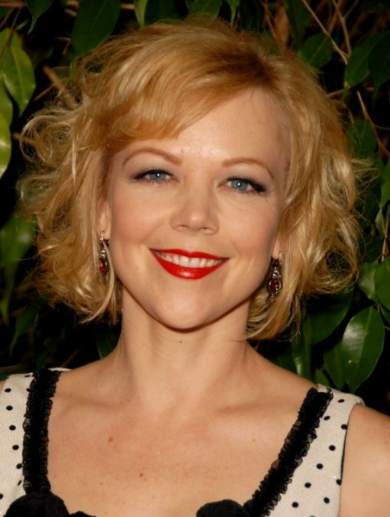Emily Bergl Blousing Short Hairstyle Midway Upon The