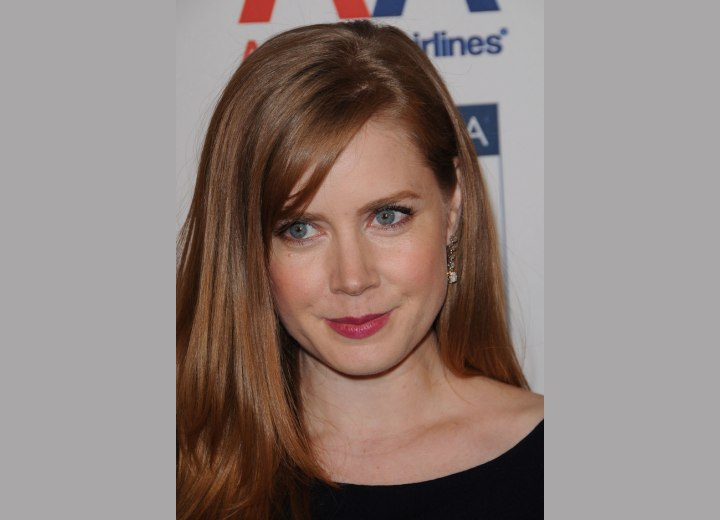 Amy Adams - Side parted long hair with bangs
