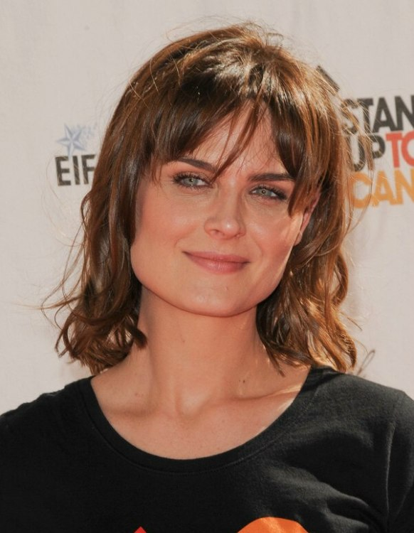 Emily Deschanel Medium Hairstyle With Layers And Bangs