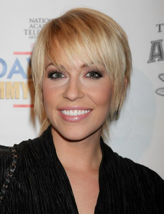 Farah Fath Uncomplicated Short Blonde Hairstyle With