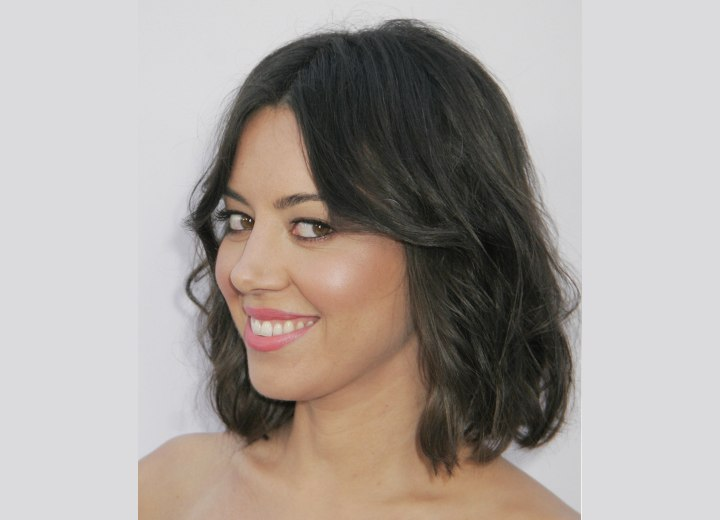 Right above the shoulders hairstyle - Aubrey Plaza