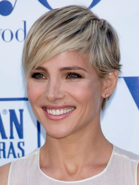 Elsa Pataky Short Blonde Pixie Haircut With A Tapered Neck And Longer Around The Ears