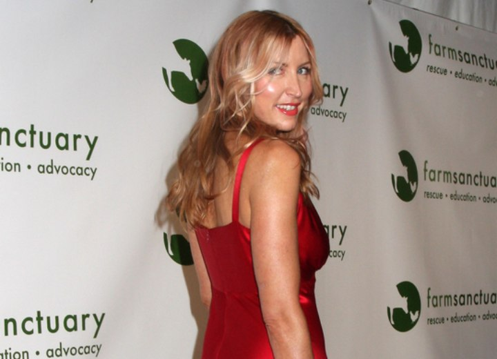 Back view of bra strap length hairstyle - Heather Mills