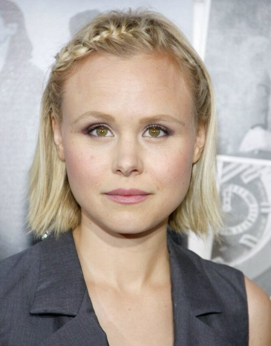 Alison Pill S New Haircut Full And Thick Just Past The
