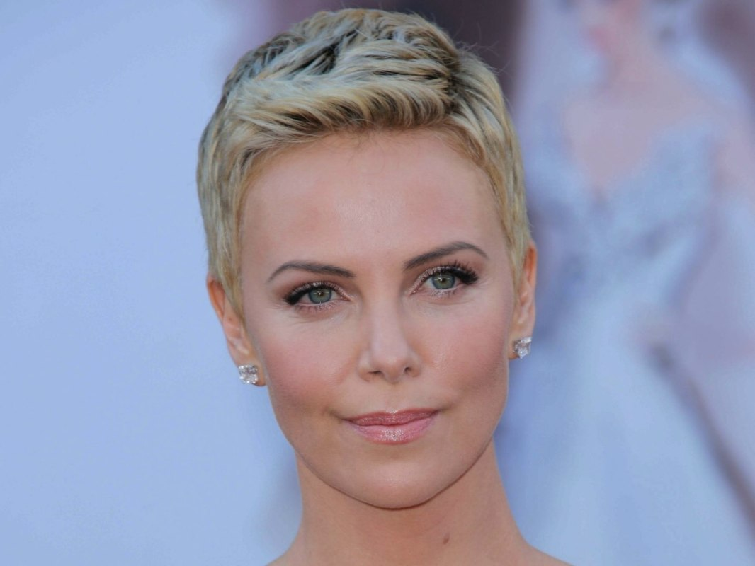 Side View Of Charlize Theron S Short Pixie Cut