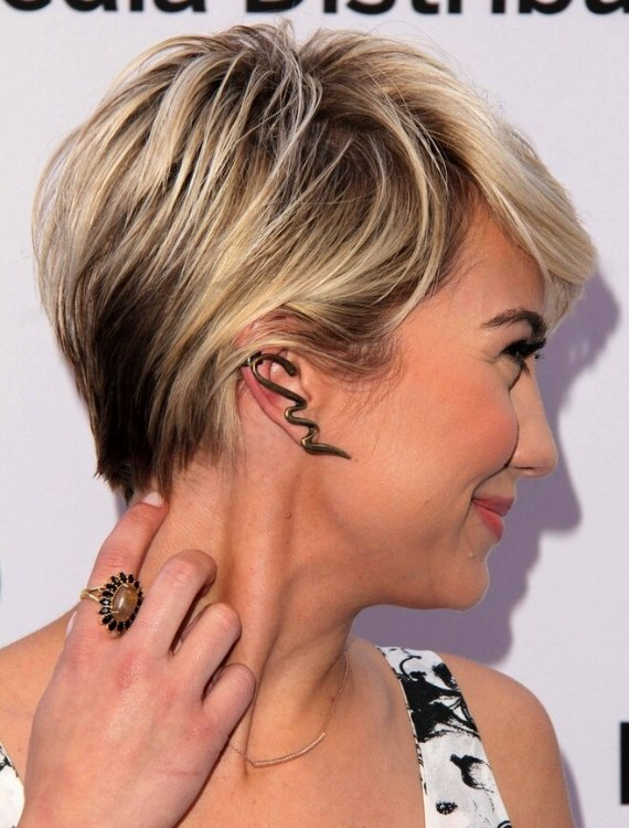 Chelsea Kane S Pixie Short Cropped Hairstyle And Soft Around The Ears