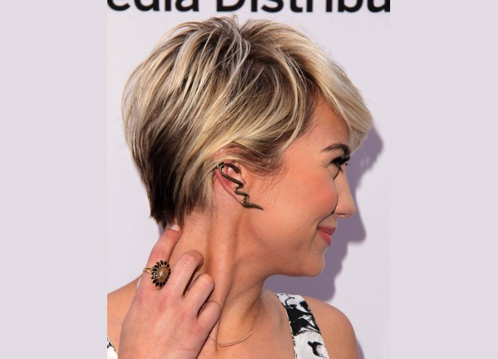 Chelsea Kane's pixie haircut - Side view