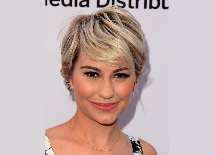 Super cropped short hairstyle - Chelsea Kane