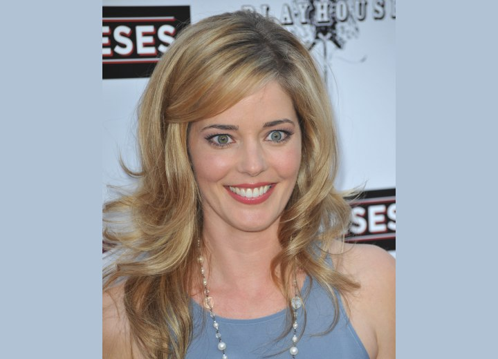 Hair roots that need to be touched up - Christina Moore