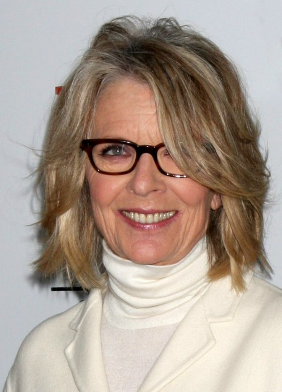 Diane Keaton | Above the shoulders hairstyle to age gracefully as a ...
