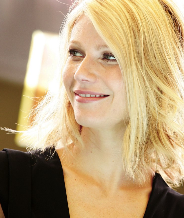 Gwyneth Paltrow Easy To Wear Past The Chin And Above The
