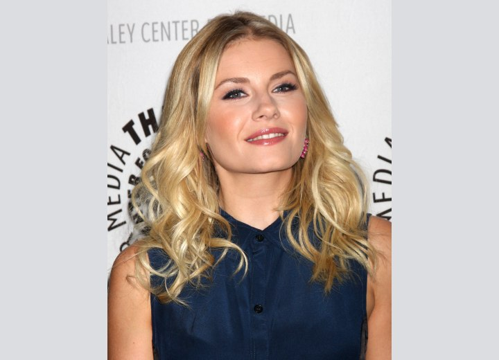 Elisha Cuthbert - Wearable hairstyle for long hair