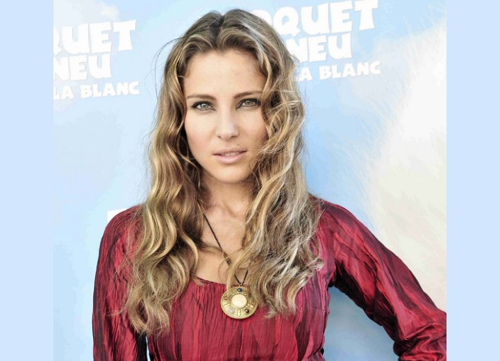 Elsa Pataky's long blonde hair