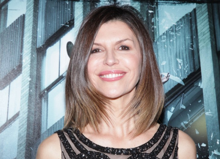 Finola Hughes - Haircut that makes an older woman look younger