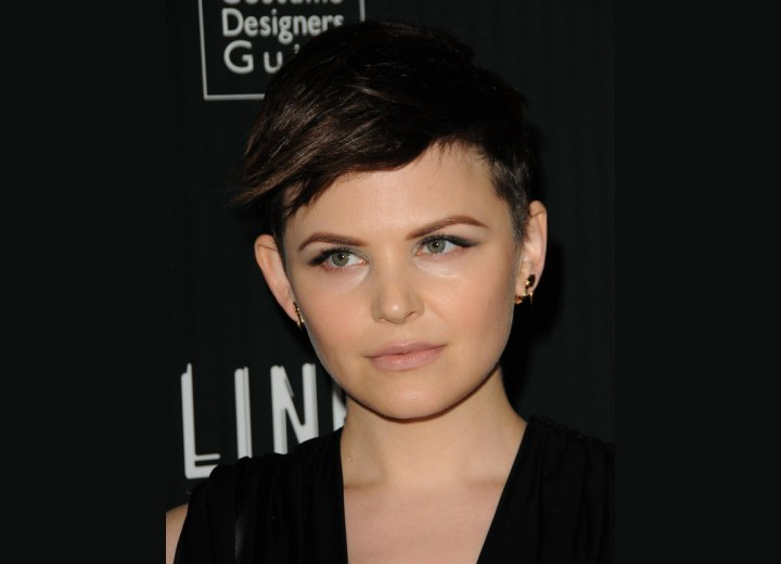 Ginnifer Goodwin's wearing her hair short and cut around her ears