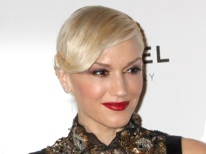 Gwen Stefani - Updo with slicked back hair