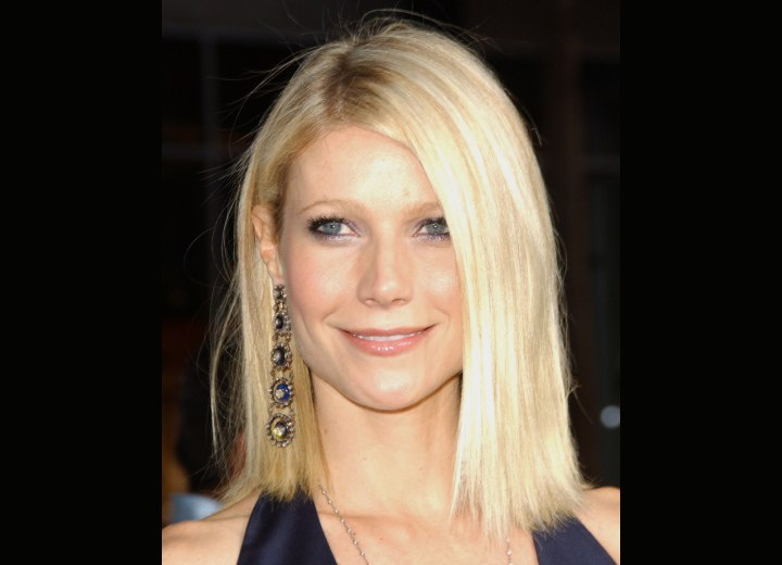 Gwyneth Paltrow - Haircut that falls right at the shoulder line