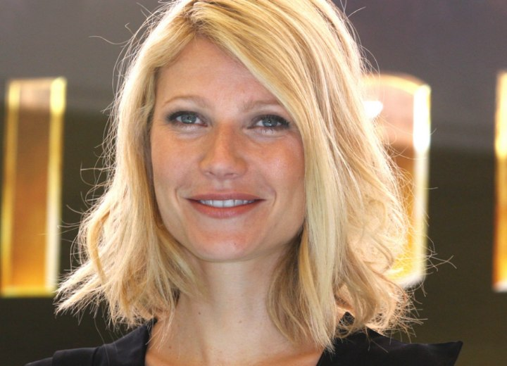 Gwyneth Paltrow - Medium length hairstyle with crisp ends