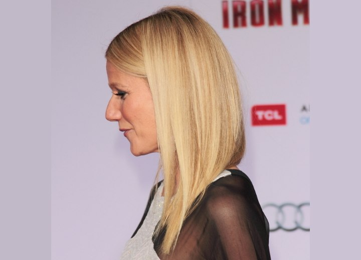 Gwyneth Paltrow - Long hairstyle for very straight hair