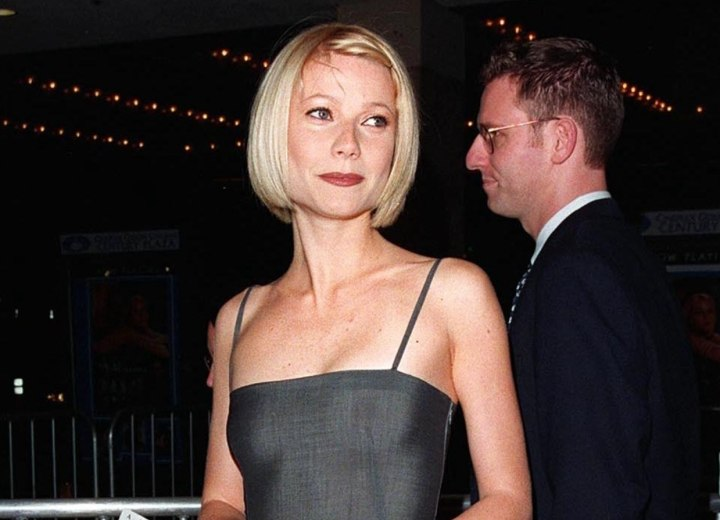 Gwyneth Paltrow's short hairstyle and dress