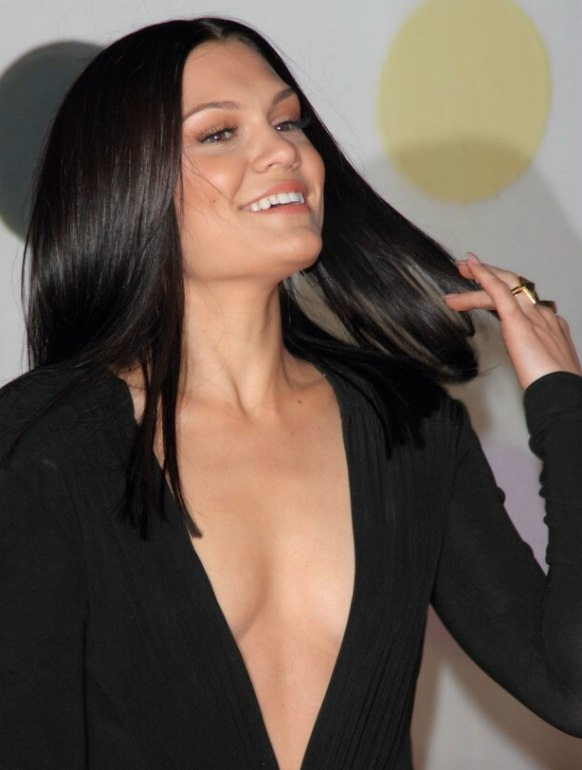 Jessie J With Sleek Long Hair Hair That Looks Extremely Shiny And