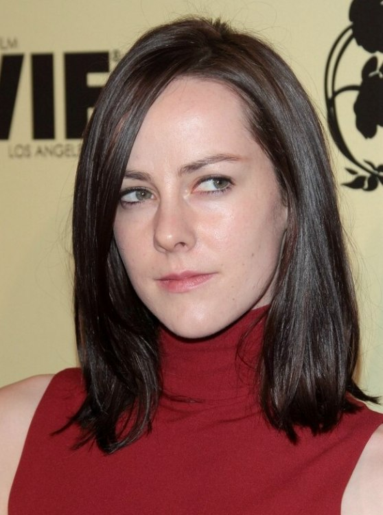 Jena Malone Mid Length Hairstyle Long Heart Shaped
