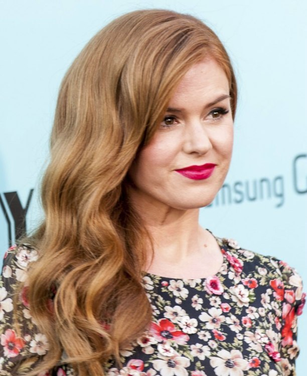 Isla Fisher | Long Gatsby hairstyle with old fashioned waves ...
