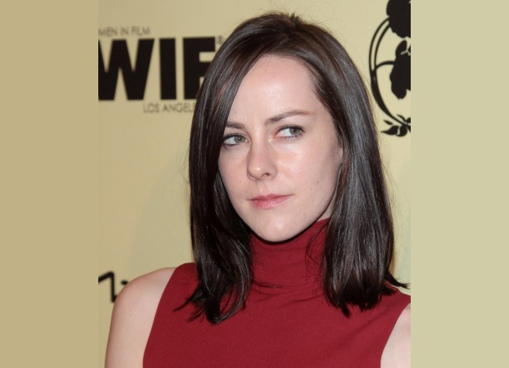 Jena Malone - Hairstyle for a long heart face shape
