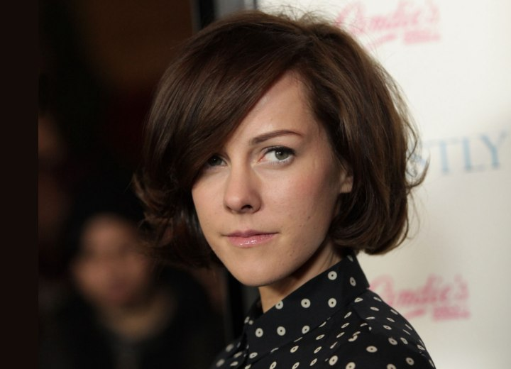 Jena Malone - Short above the blouse collar haircut
