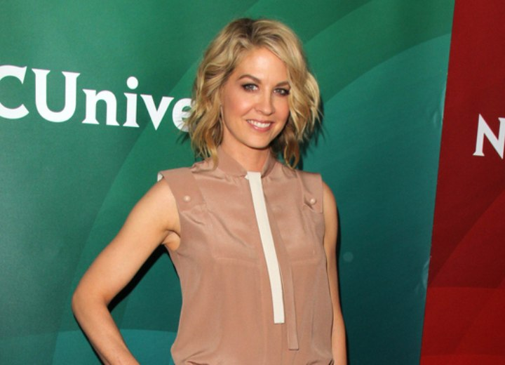 Jenna Elfman - Stunning look for a 40 plus woman