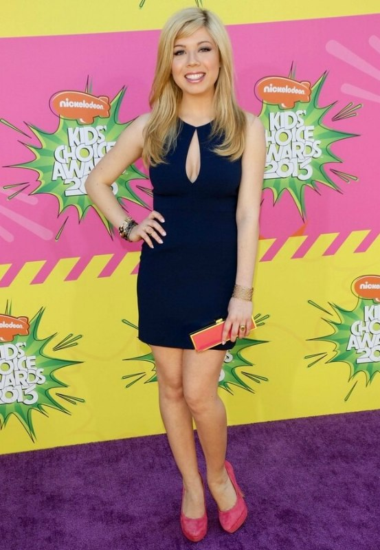 Jennette Mccurdy Long Blonde Hair With Soft Chiseled