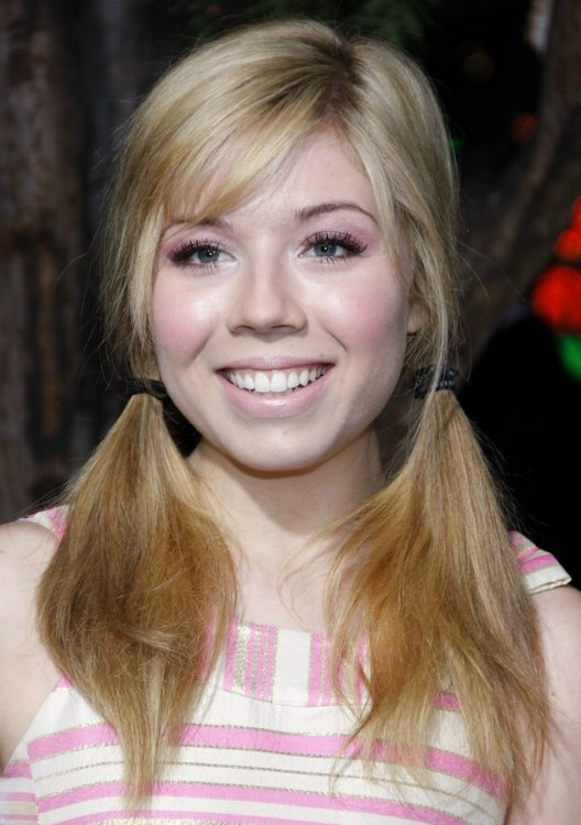 ... McCurdy's youthful pigtail hairdo | Loose ponytails and wispy bangs
