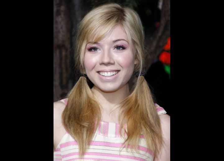 Jennette McCurdy - Youthful pigtail hairdo with wispy bangs