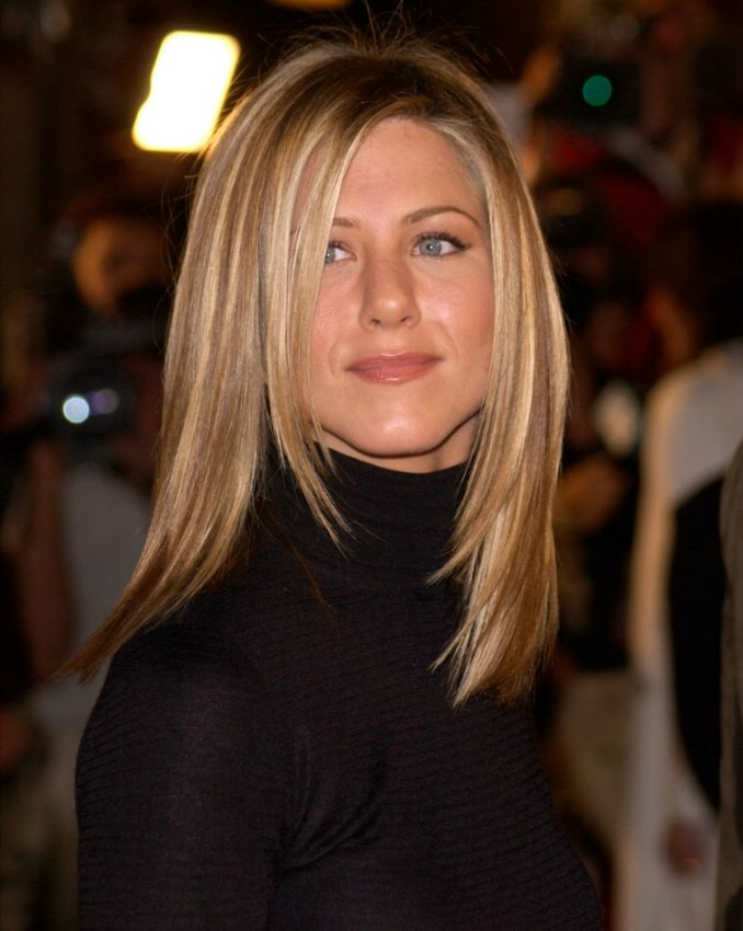 Jennifer Aniston Sleek Ironed Hair With Natural Blended