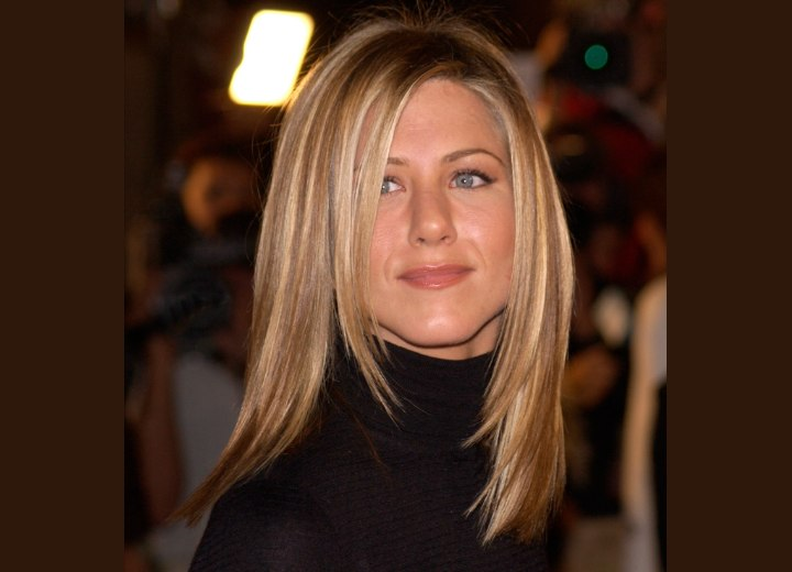 Jennifer Aniston - Long hairstyle layered from the chin down