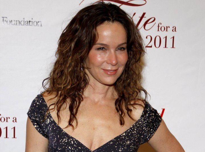 Jennifer Grey - Long hairstyle that keeps the forehead free