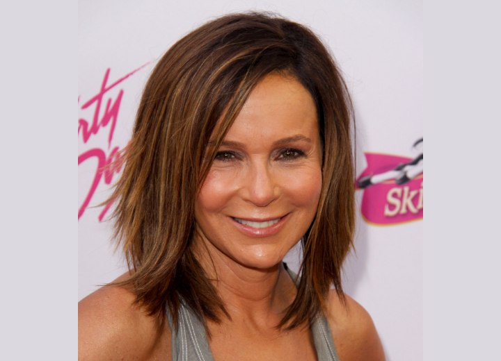 Razor Side By Side >> Jennifer Grey's medium length haircut with layers and highlights