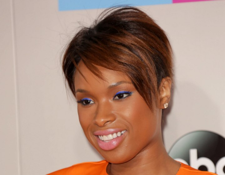Jennifer Hudson - Brown pixie cut