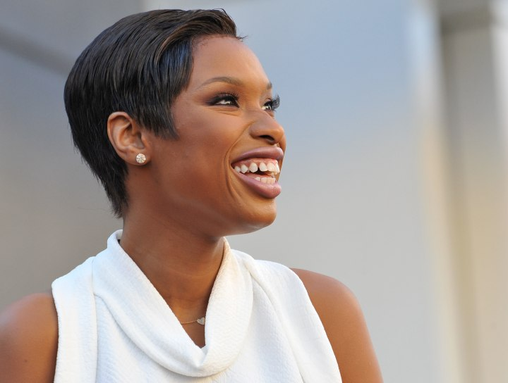 Side view of Jennifer Hudson's pixie cut