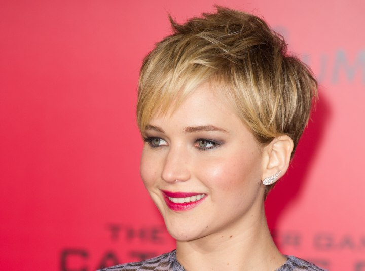 Jennifer Lawrence wearing her hair in a short pixiecut