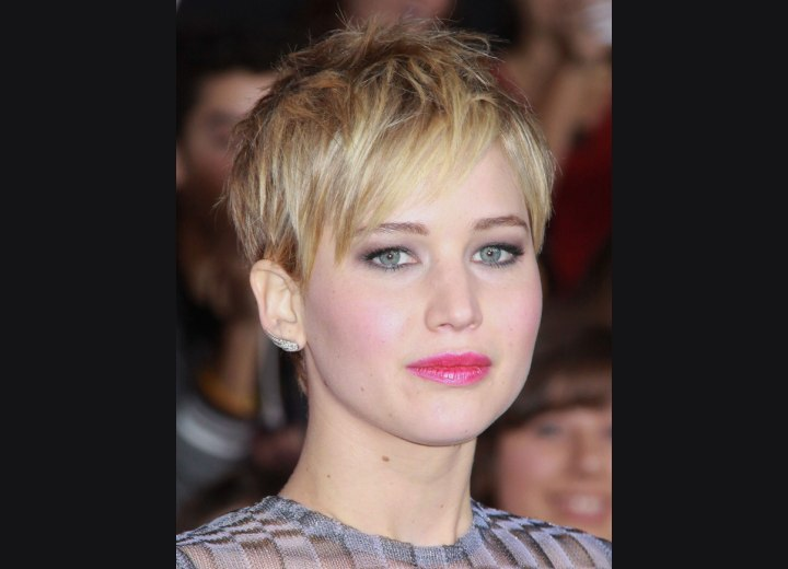 Jennifer Lawrence - Pixie with angled bangs