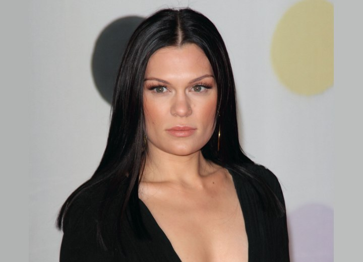 Jessie J with long and sleek hair