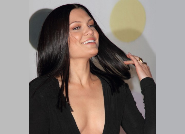 Jessie J with long and healthy looking hair