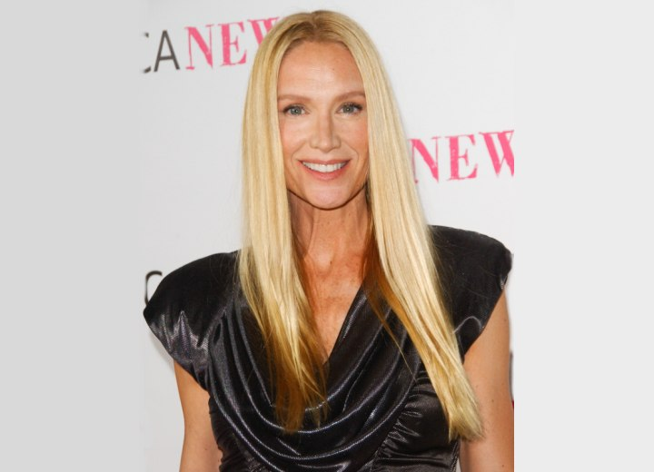 Kelly Lynch Long Hairstyle To Make An Over 50 Woman Feel
