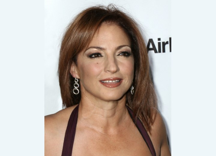 Gloria Estefan - Latina hairstyle for straight hair