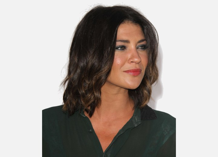 Jessica Szohr wearing a lob hairstyle